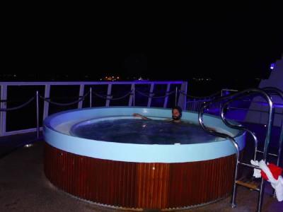 Whirlpool auf Deck 8