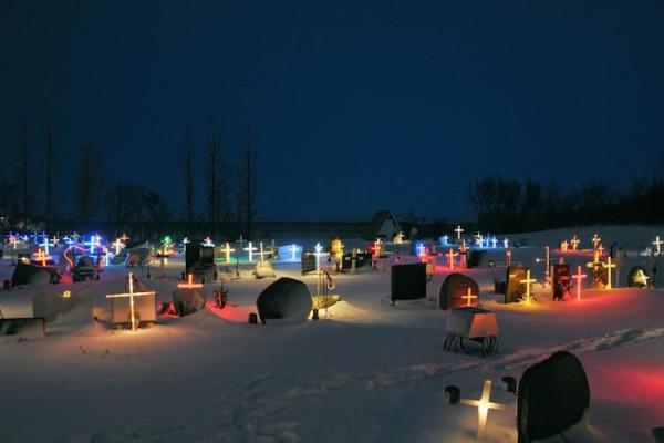 http://www.annabelle.ch/reisen/reise-berichte/winter-naht-eine-reise-nach-island-40964