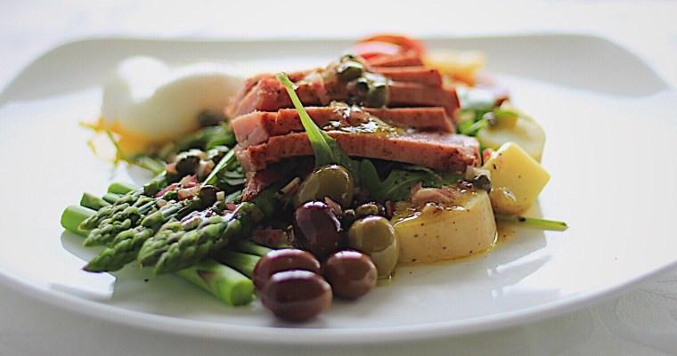 Seared Tuna Nicoise Salad with Asparagus and Arugula