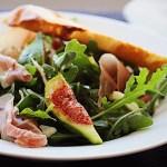 Delicious Fig Salad with Arugula, Fennel and Prosciutto