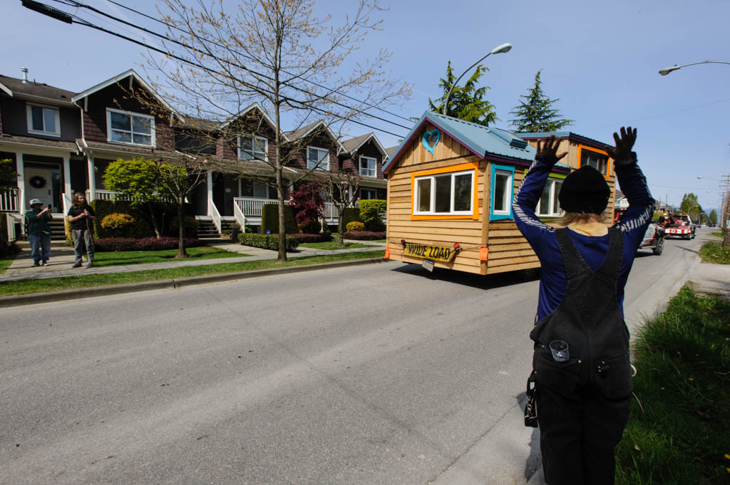 tiny house built by kimi hendess steveston richmond bc 2015