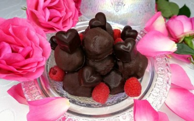 Paleo Raspberry Cream Truffles