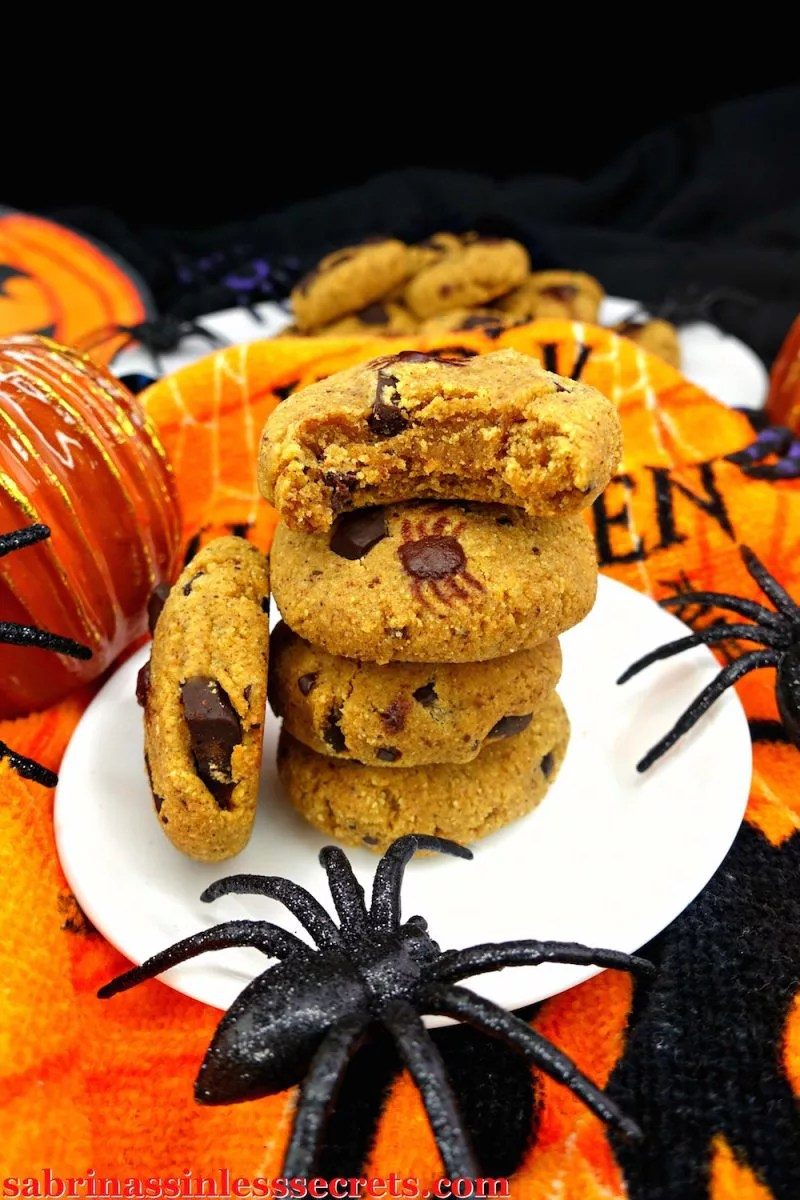 "You won't be able to deny the soft, chewy, pumpkiny, dark chocolatey, sweet yumminess of these Paleo Pumpkin Chocolate Chunk Spider Cookies! I know ""spider"" is in the name, but the only spiders you'll be eating are the chocolate ones, dormant on Paleo, gluten-free, dairy-free, refined sugar-free, oil-free, grain-free, and clean eating cookies!"