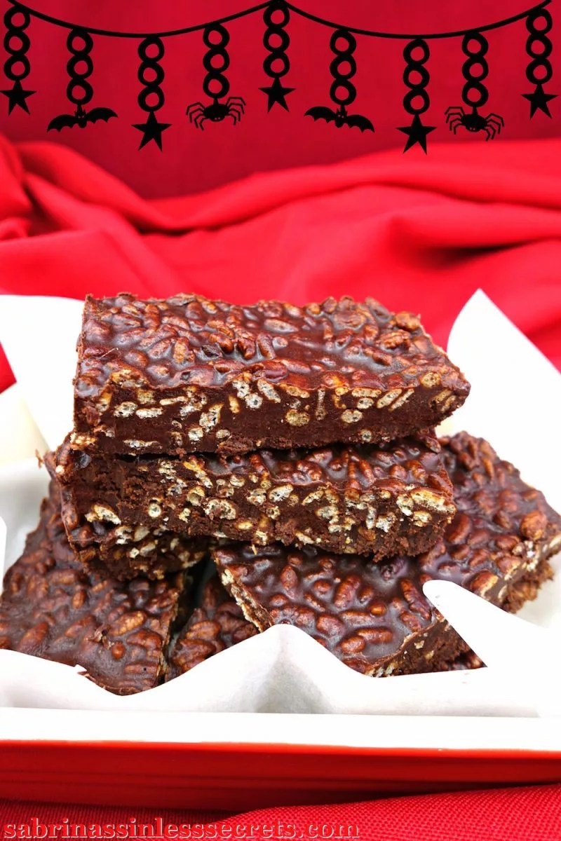 These Gluten-Free and Vegan Crunch Bars are a sinless twist on the traditional Nestlé Crunch Bars we all love. However, these are made of homemade dark chocolate and airy brown rice crispy cereal in every bite—no artificial ingredients! These guilt-free chocolate bars are gluten-free, vegan, dairy-free, soy-free, egg-free, nut-free, refined sugar-free, clean-eating, quick and easy, and only use 4 ingredients!