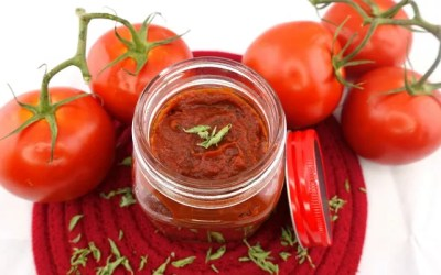 Paleo and Vegan Easy Pizza Sauce