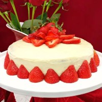 Paleo Strawberry Cake with Paleo White Chocolate Frosting