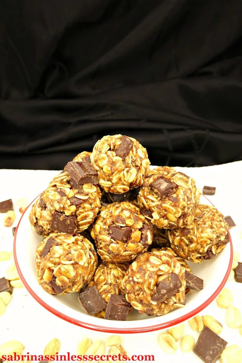 Bite-sized balls of yumminess AND nourishment are hard to come by. Except for these No-Bake Peanut Butter Chocolate Chunk Gluten-Free and Vegan Energy Balls—it's commonplace for them. You won't believe these delicious energy balls are gluten-free, vegan, dairy-free, refined sugar-free, clean-eating, no-bake, and easy to make! They're perfect on-the-go snacks that act like a dessert! Total score!