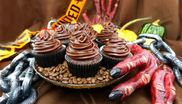 Chocolate Mocha Paleo Cupcakes {with Paleo Chocolate Mocha Frosting!}