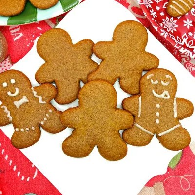 These Paleo and Vegan Cut-Out Gingerbread Men Cookies will become a new tradition for you and your family during the holidays! With a spiced, sweet flavor, topped with a tasty icing, you won't believe they're Paleo, vegan, gluten-free, dairy-free, refined sugar-free, and clean-eating!
