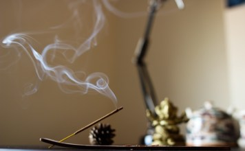 The Top 10 Benefits of Burning Incense
