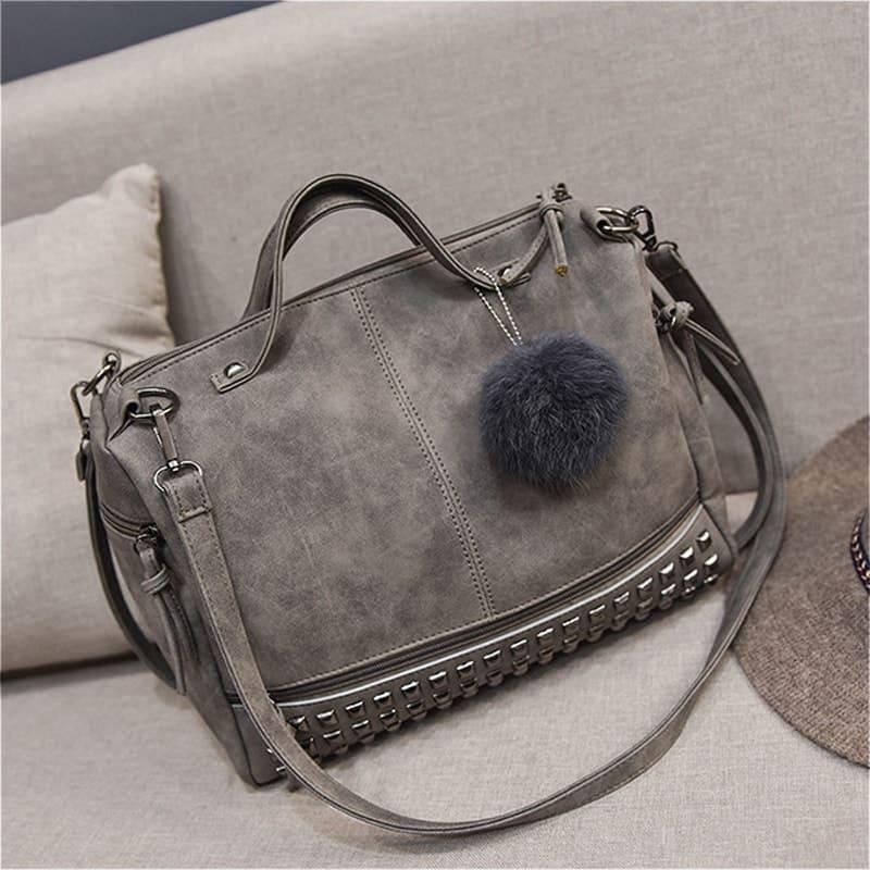Sac à bandoulière et sac à main en cuir nubuck gris pour femme avec poches zippées et poches intérieures. Bolishbag classic. Zoom 1.