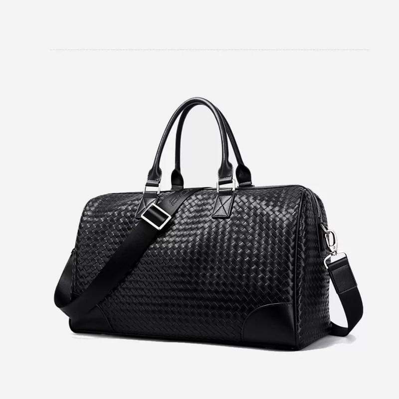Sac à bandoulière et sacoche cuir noir pour homme avec plusieurs poches zippées et poches intérieures. Bopaibag Croco. Zoom.