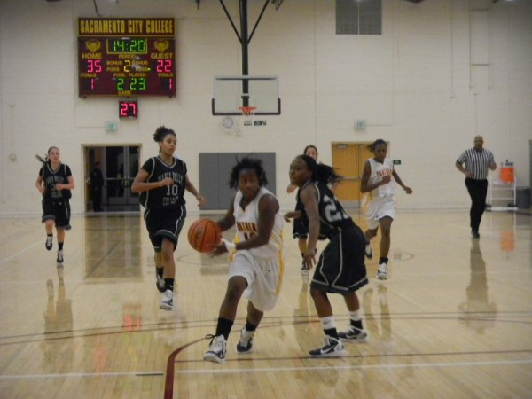 Womens basketball team wins against Diablo Valley College ...