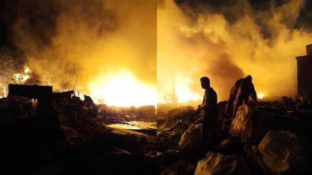 दिल्ली: मुंडका इलाके के पीवीसी मार्केट में लगी भीषण आग, फायर ब्रिगेड की 40 गाड़ियां मौके पर पहुंची