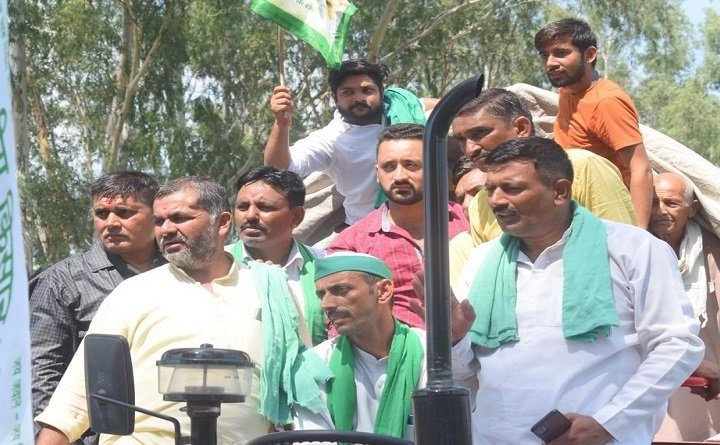 Farmers Tractor March:  आज गाजीपुर बॉर्डर पहुंचेगा सैकड़ों ट्रैक्टरों और हजारों किसानों का तीसरा जत्था