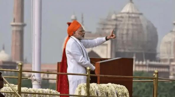 75th Independence Day: PM Modi लाल किले पर आज फहराएंगे तिरंगा, पहली बार होगी पुष्प वर्षा, जानिए हर एक डिटेल