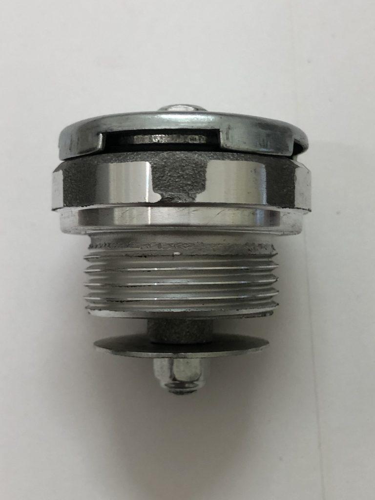 VENT PLUG 3LD 510 , 3LD 450 , LDA 510 , LDA 450.  3LD510 , LDA510 FOR 3LD510 and 3LD 450 single cylinder Diesel engine . lda 510 , 3ld 510. Greaves , ape piaggio. 6LD 360 6LD 325