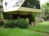space ship house on Garden Highway