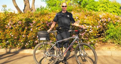 bike-cop-3086