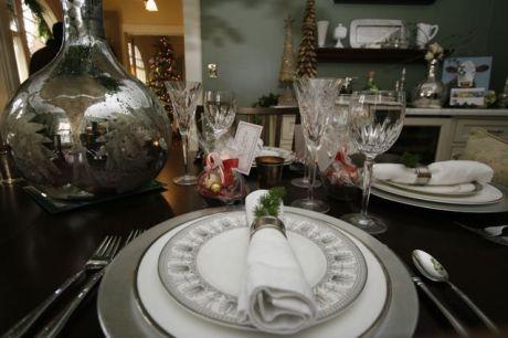 hometourdiningrm 460x306 - Sacred Heart Holiday Home Tour kicks off the holiday season