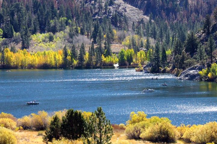 Mammoth Lakes in Fall - Gull Lake