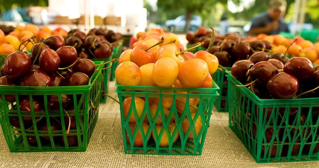 Midtown Farmers Market Hosts Special Events in June via @sacramentopress