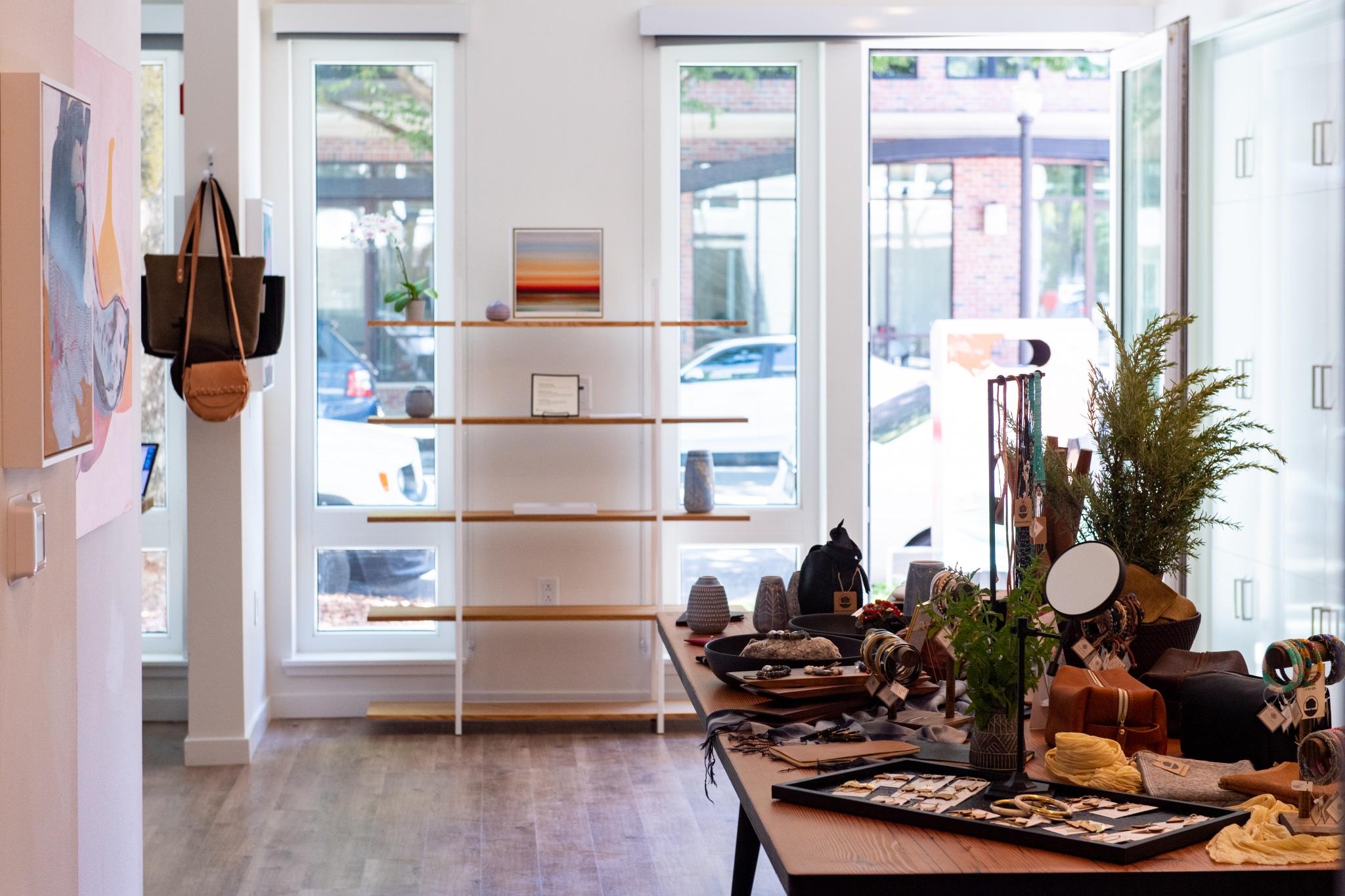 Groundswell Art Pop-Up Gallery at Midtown's H16 Apartments via @sacramentopress