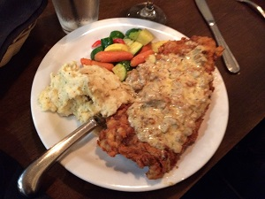 Picture Of Chicken Fried Steak At Evanu0027s Kitchen