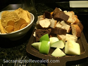 Photo of Melting Pot breads & apple