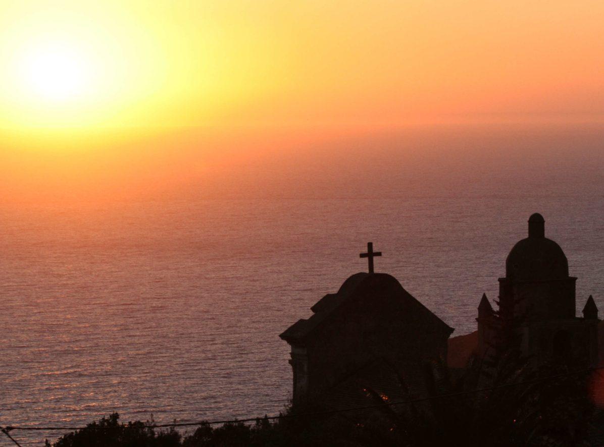 Sacré Cap Corse - Coucher de soleil sur Saint-Cyprien à Morsiglia