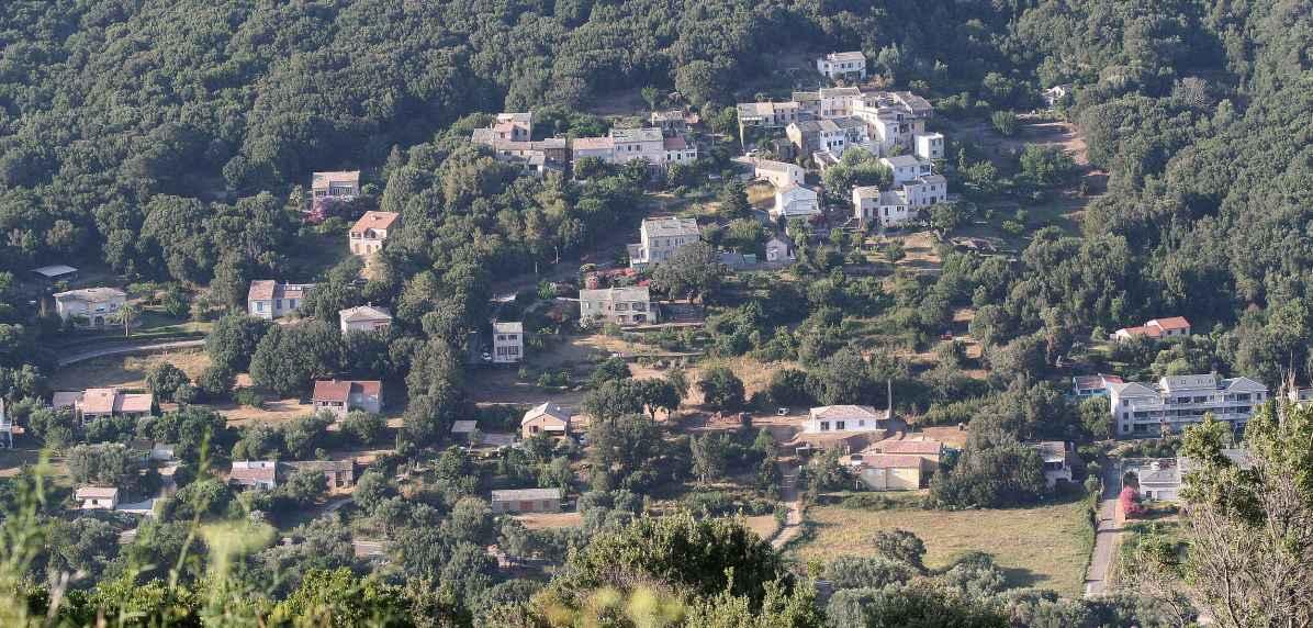 Sacré Cap Corse - Hameau de Campu à Luri