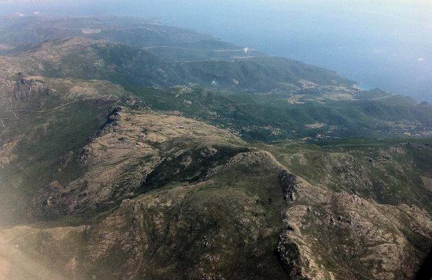 24 juin 2012 Au-dessus des crêtes du Cap à hauteur des vallées de Brando et Sisco