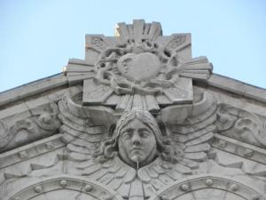 Sculpture faitière de la façade Est du Sacré-Coeur de Lyon