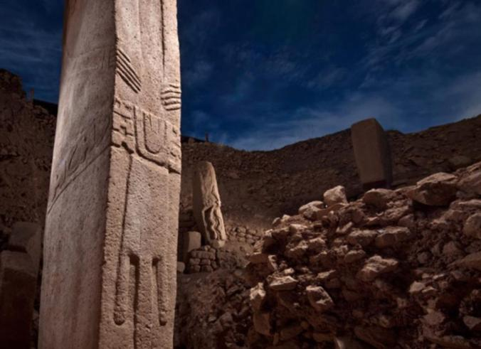 stone pillars, gobekli tepe, world's oldest temple