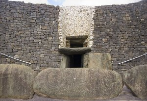 Newgrange Sacred Site - Travel Sacred Ireland