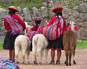 Native Peruvian girls | Visit Machu Picchu