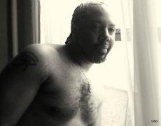 Heru Shirtless