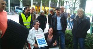 لاجؤون سوريون معتصمون للمطالبة بمنحهم حق اللجوء الدائم في المانيا -فيسبوك