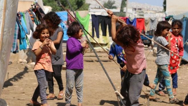 """مخيّم """"البالعة"""" غرب إدلب.. تخوّف من كوارث في الشتاء"""