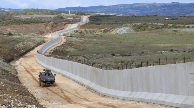 سياسي تركي: مليون ونصف سوري سوف يحاولون اللجوء إلى تركيا