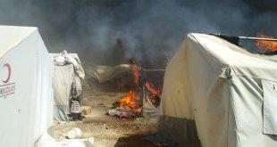 النيران تلتهم ثماني خيم في مخيّمات الشمال السوري