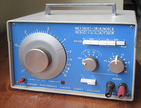 Wide Range Oscillator
