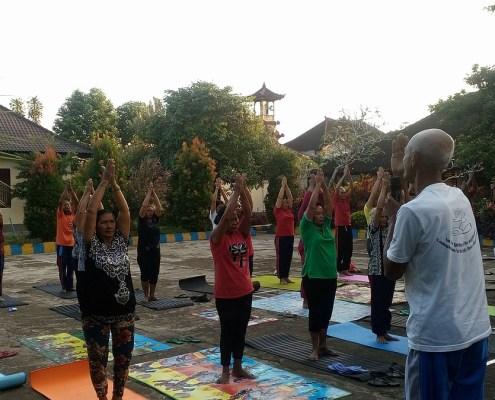 Yoga Lansia