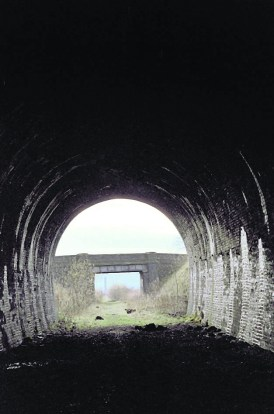 p17 history d_OS-RW-LoopL-52-Butterhouse Tunnel-Peter FOX-c1980_SMALL JPEG