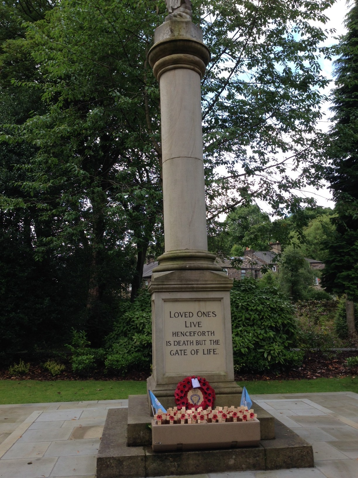 community marks remembrance weekend with services and events