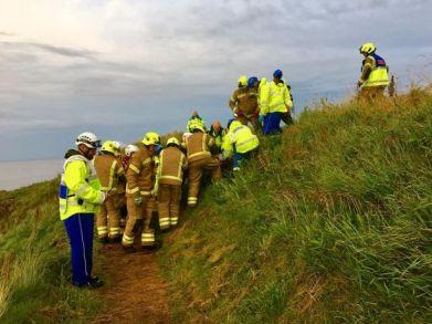 2382 Lad Cliffside Rescue (4)