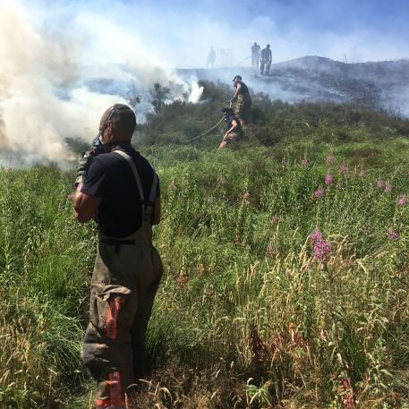 Tackling fires at Diggle Quarry