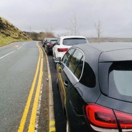 Dovestone Reservoir Greenfield parked cars 2