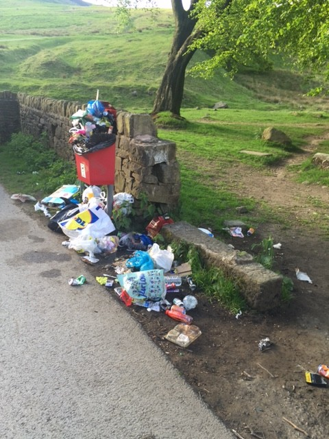Rubbish at Dovestones