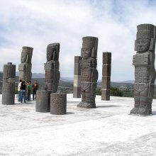 Warrior columns, Tula